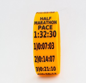 Half Marathon Paceband 1:32:30 Orange/Black